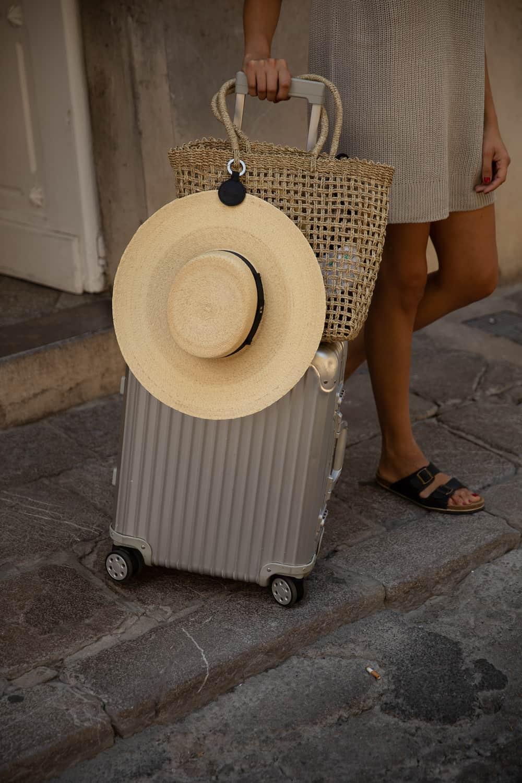 voyager avec un porte-chapeau