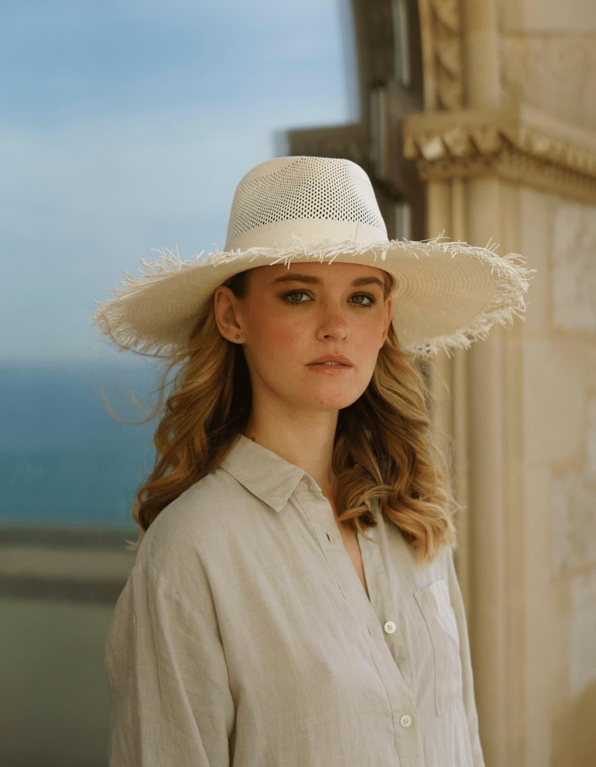Chapeau en raphia à bord effiloché Style d'été